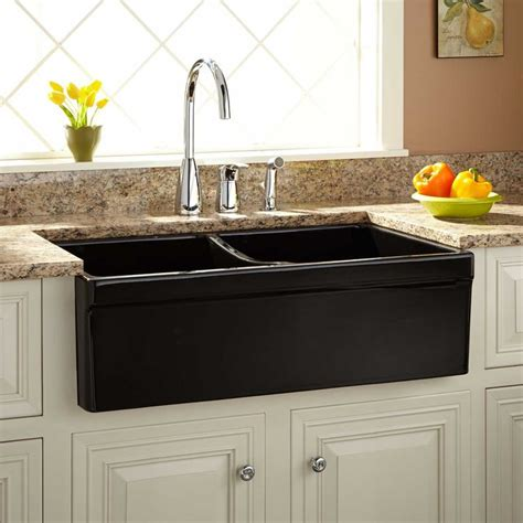 apron style kitchen sinks 17 best ideas about black farmhouse sink on 4172