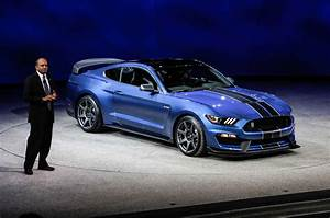 Presenting the all New 2016 Ford Shelby GT350R Mustang | Welcome to the RW Carbon Blog!