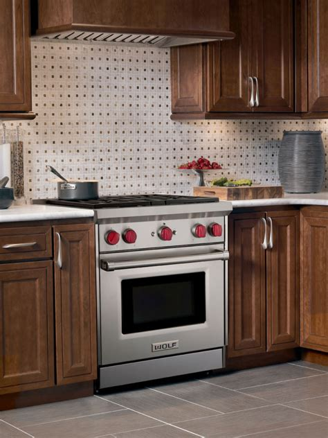 wolf gr   pro style gas range   dual stacked sealed burners  cu ft
