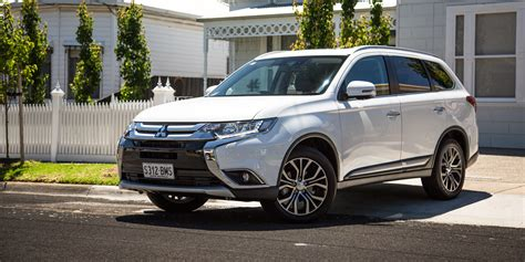 Reviews Of Mitsubishi Outlander by 2017 Mitsubishi Outlander Exceed Petrol Review Photos