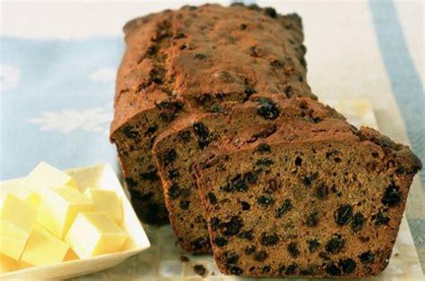 moira youngs tea loaf cake recipe goodtoknow