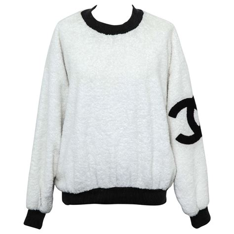 Vintage Chanel Sweat Shirt Sweater with Iconic CC For Sale at 1stdibs