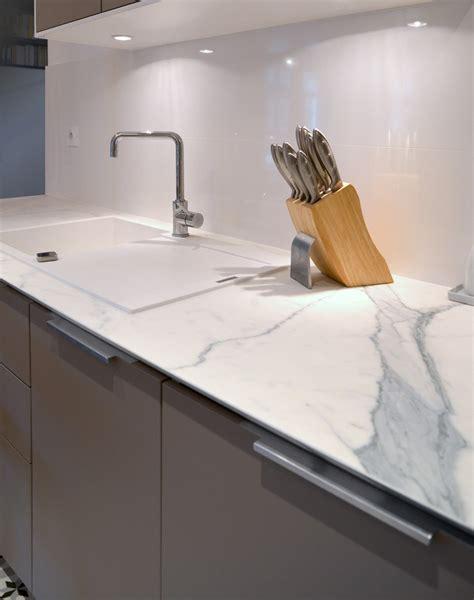 plan ceramique cuisine plan de travail céramique effet marbre rénovation d 39 un