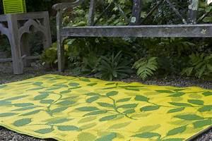 garten im quadrat outdoor teppich bali grun gelb With balkon teppich mit tapete retro gelb