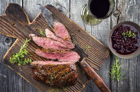 Meža gaļa vīna marinādē - pavisam vienkārši!   Gatavosim.lv