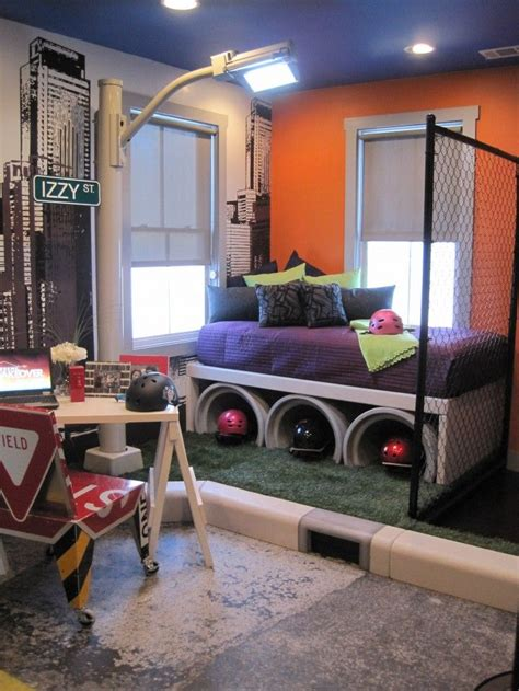 skateboard themed room skateboard themed bedroom a little over the top but some cool elements for sure a 2017 reno