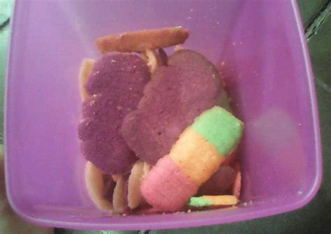 Lidah kucing ubi ungu enak lainnya. Resep Lidah Kucing Rainbow no cetakan oleh Ayu Lestari - Cookpad