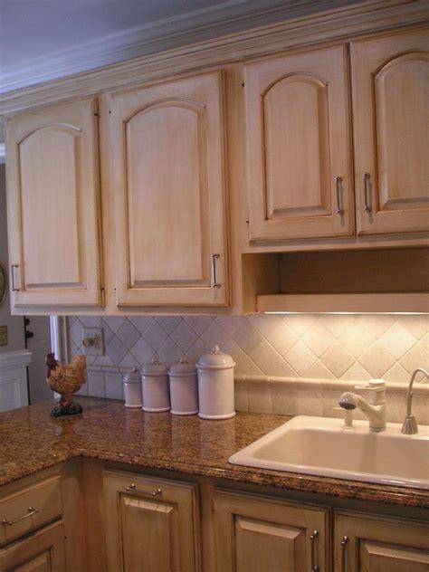 repaint  kitchen cabinets   linen white   glaze