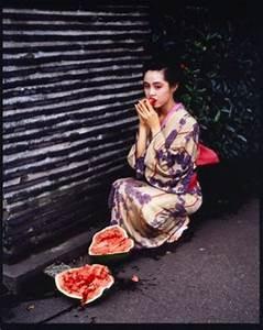 Araki Musée Guimet : deborah de robertis poste une vid o de sa performance au mus e guimet ~ Maxctalentgroup.com Avis de Voitures