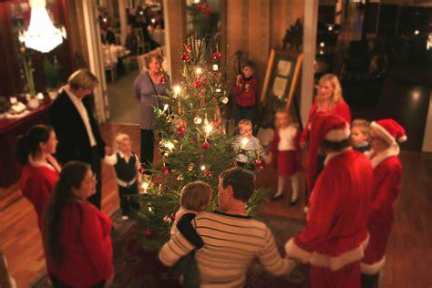 savior  born christmas celebration luke