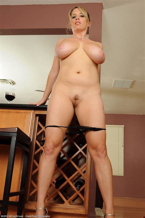 hot nude busty housewife