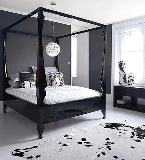 Cowhide Rug Bedroom by 17 Best Images About Cowhide Rugs In Rooms On