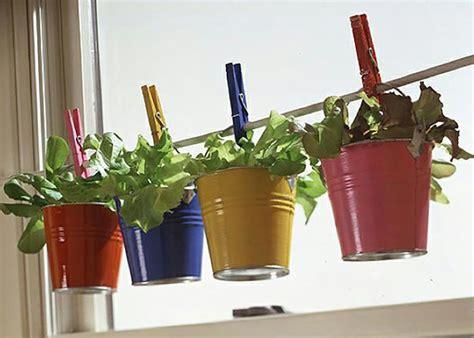 plantes aromatiques cuisine mini jardinières et pots d intérieur aux herbes aromatiques