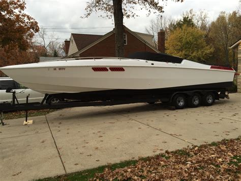 Speed Boats For Sale Us by Scarab Speed Boat Cruising Cigarette Donzi 1983 For Sale