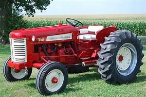 Rollerman1   U201cinternational 350 Utility Tractor  U201d