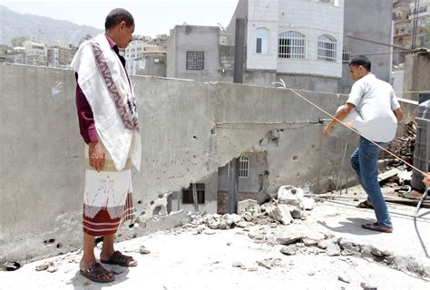 UN agency says 300,000 Yemenis displaced amid fighting