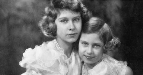 Queen Elizabeth II and Princess Margaret Pictures ...