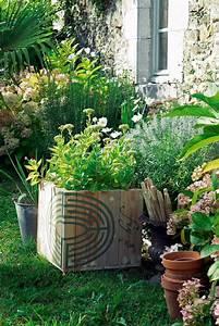Bac à Fleurs : bac fleurs peint d 39 un labyrinthe marie claire ~ Teatrodelosmanantiales.com Idées de Décoration