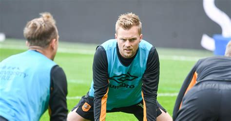 Seb Larsson happy to keep Hull City contract talks on hold ...