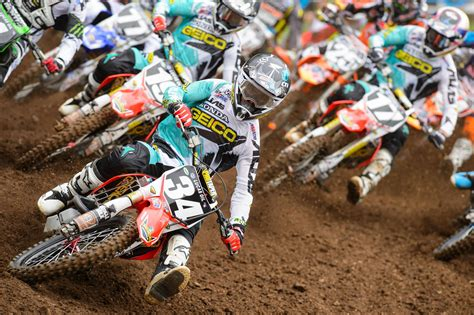 racing motocross bikes dirt bike backgrounds wallpaper cave