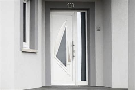 prix d une porte d entr 233 e en pvc budget maison