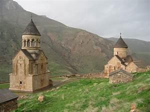 Noravank travel photo | Brodyaga.com image gallery ...
