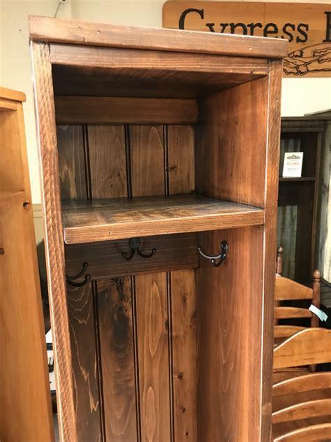 mudroom locker  pinhook ph  sold  wood furniture