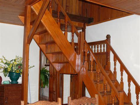 gambar desain tangga rumah kayu terbaru  desain cantik