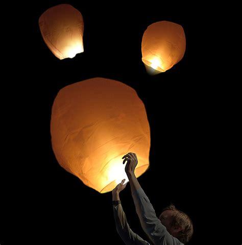 lanterne chinoise volante pas cher la lanterne volante 224 voeux sky lantern dome skylantern lanterne volante