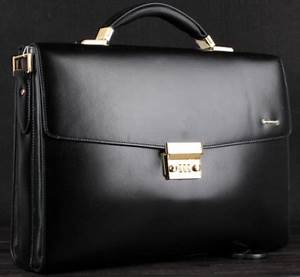Upscale Black Leather Business Gentlemen Briefcase