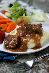Slow Cooked Tri Tips And Gravy With Mashed Potatoes