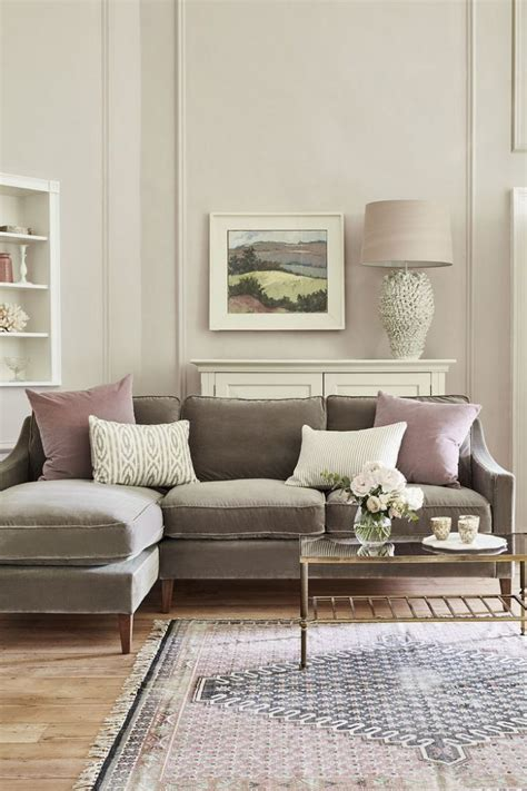 Light Brown Couch Living Room Ideas What Colour Curtains