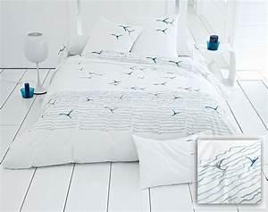 Housse De Couette Theme Mer : drap de lit d co bord de mer table de lit ~ Teatrodelosmanantiales.com Idées de Décoration
