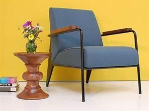 Fauteuil Salon Design : vitra fauteuil de salon design jean prouv ~ Teatrodelosmanantiales.com Idées de Décoration