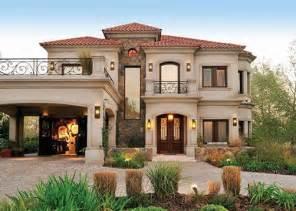 mediterranean house plans with courtyard fachada de casa estilo clásico toscano realizada por