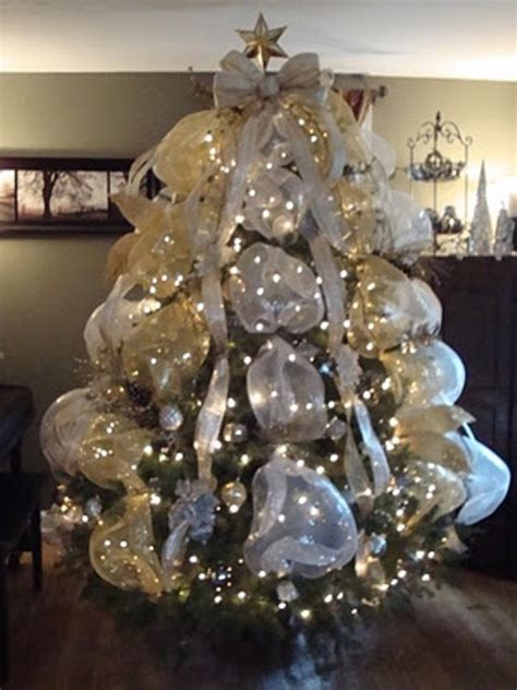 33 exciting silver and white christmas tree decorations digsdigs