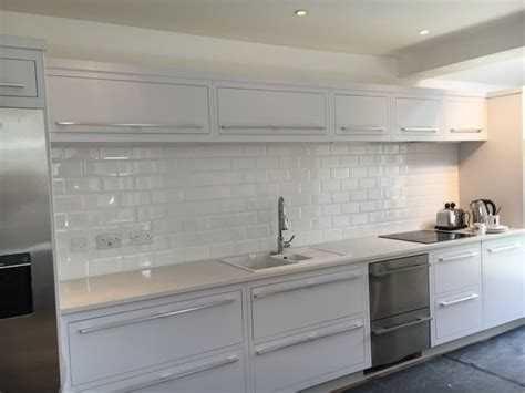 white tiles with dark grout anyone done this