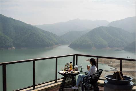 Den högsta punkten i närheten är 439 meter över havet, 1,9 km väster om anjigame lake. Alila Anji Named Best Resort Hotel In Asia   Petrie PR
