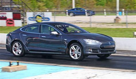 Stock 2016 Tesla Model S P90dl V2 1/4 Mile Trap Speeds 0