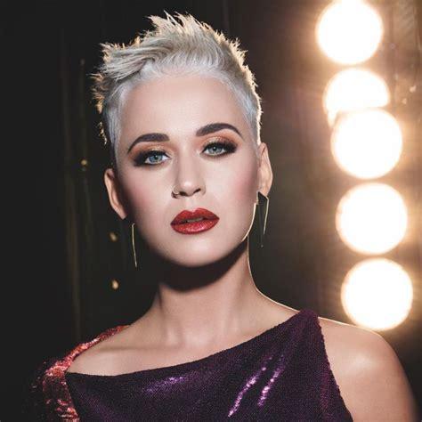 A Katy Perry se le cae un mito en las narices | Actualidad ...