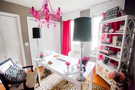 Scarlett Lillian's Glamourous Pink Home Office Sayeh