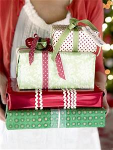 Anyone Can Decorate Christmas Gift Wrapping Ideas