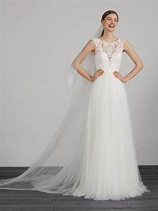 lace evasé wedding dress with illusions pronovias