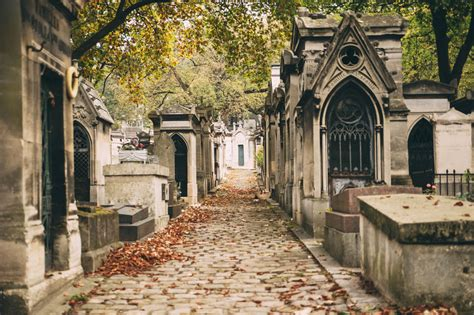 cimetiere du pere la chaise best cemeteries to visit in the thrillist