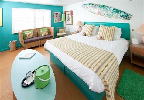 idée déco chambre ado autour du surf et de la mer