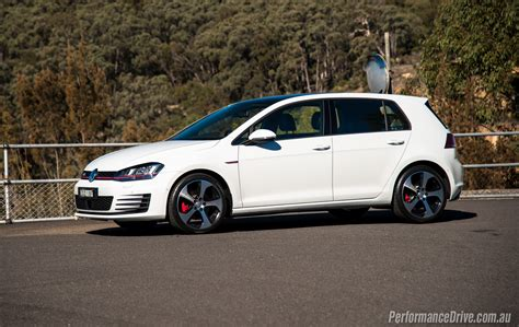 siege golf 1 gti 2016 volkswagen golf gti review performancedrive