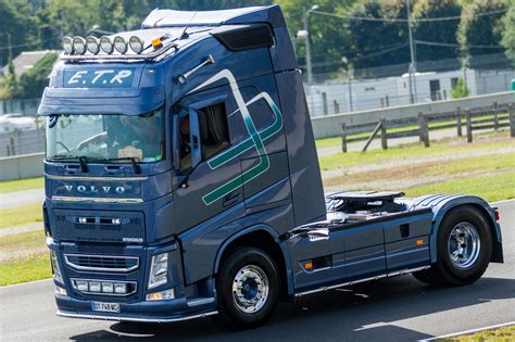 volvo truck pictures free volvo truck images hd volvo truck pictures free to download