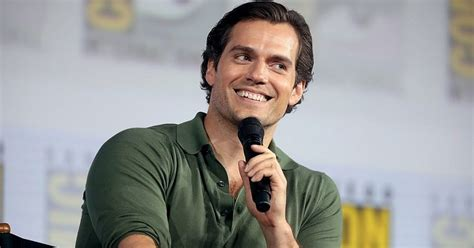 Henry Cavill Biography - Facts, Childhood, Family Life ...