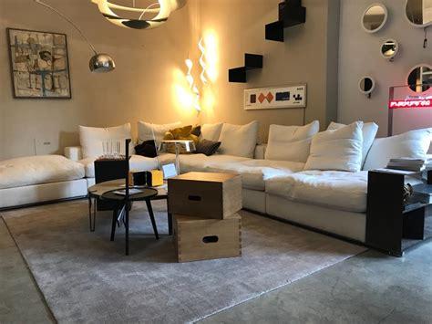 Divani Flexform Outlet by Divano Con Penisola Ground Flexform Offerta Outlet