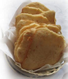Campurkan dengan tepung tapioka, gula dan air sedikit demi sedikit hingga jadi adonan. Kerupuk udang merupakan makanan ringan yang sudah lama ...